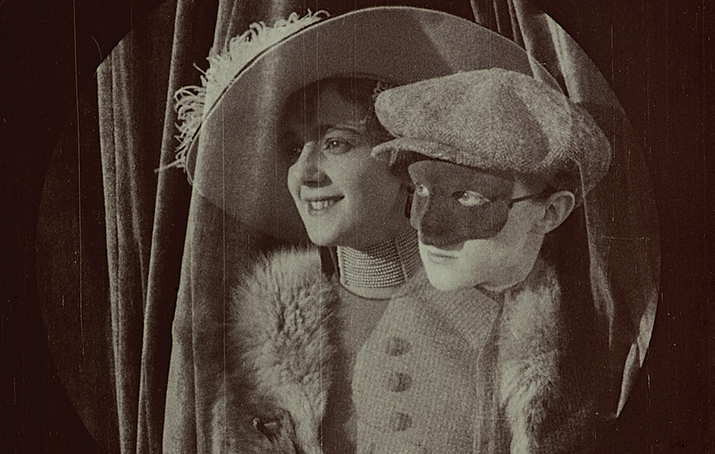 Still from the 1915 silent adventure film Filibus