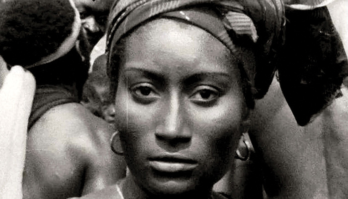 Image of a woman from the 1975 Cameroonian film Muna Moto